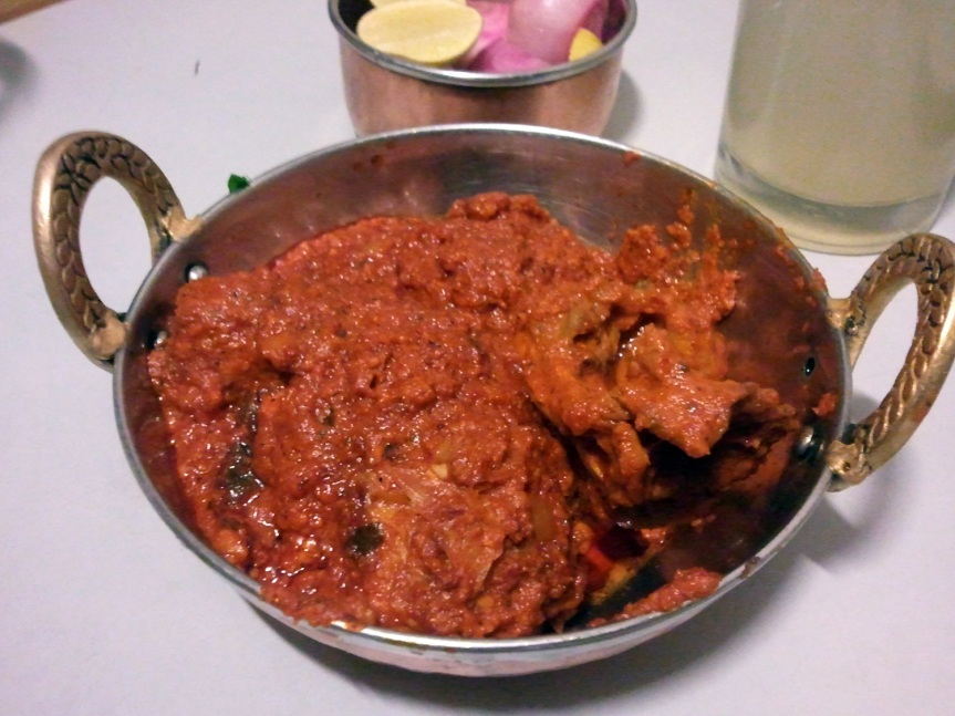 Quite spicy, with large pieces of chicken on the bone, the sukkha is served with a thick, dry masala. Slightly Punjabified, but tasty.