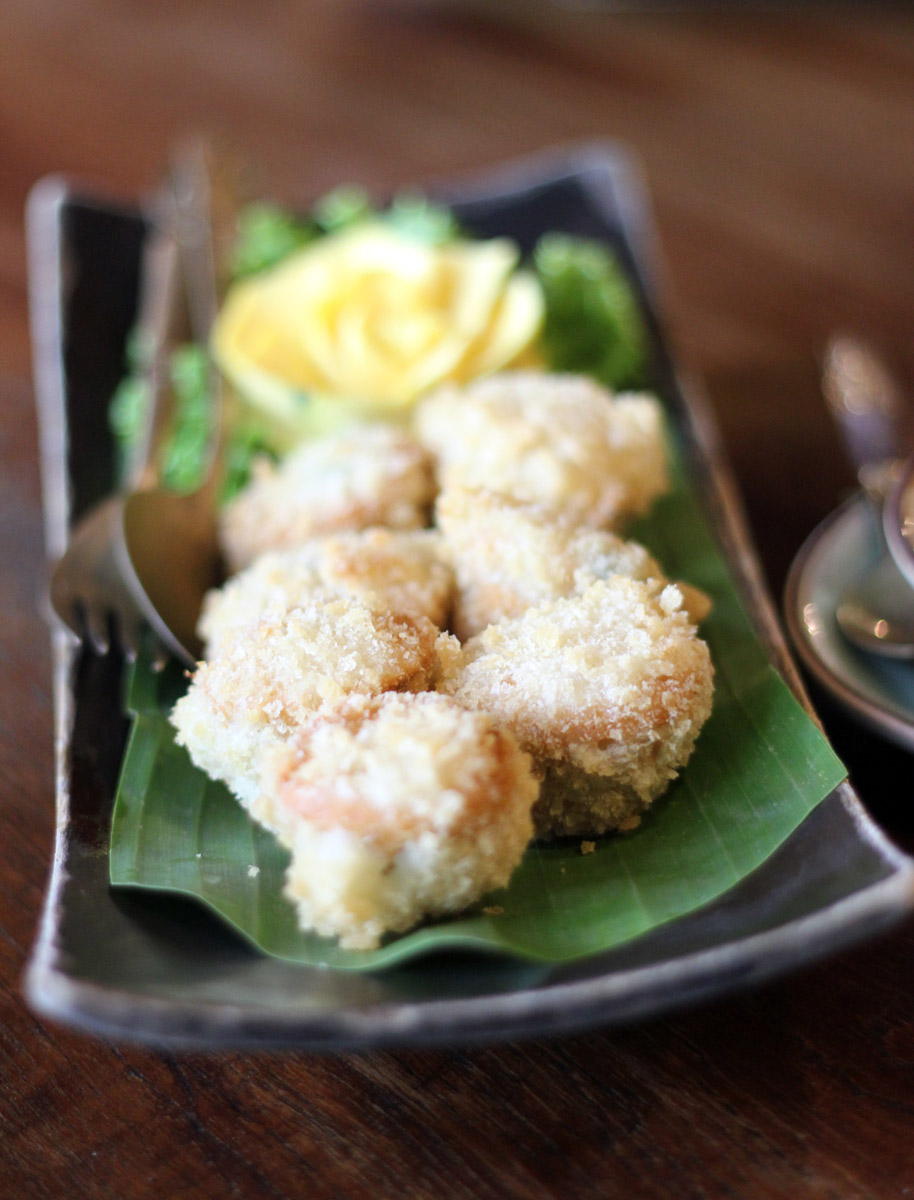 Hor-Mhok-Krob (Deep Fried Crab Souffle) Ruen Mallika, Bangkok