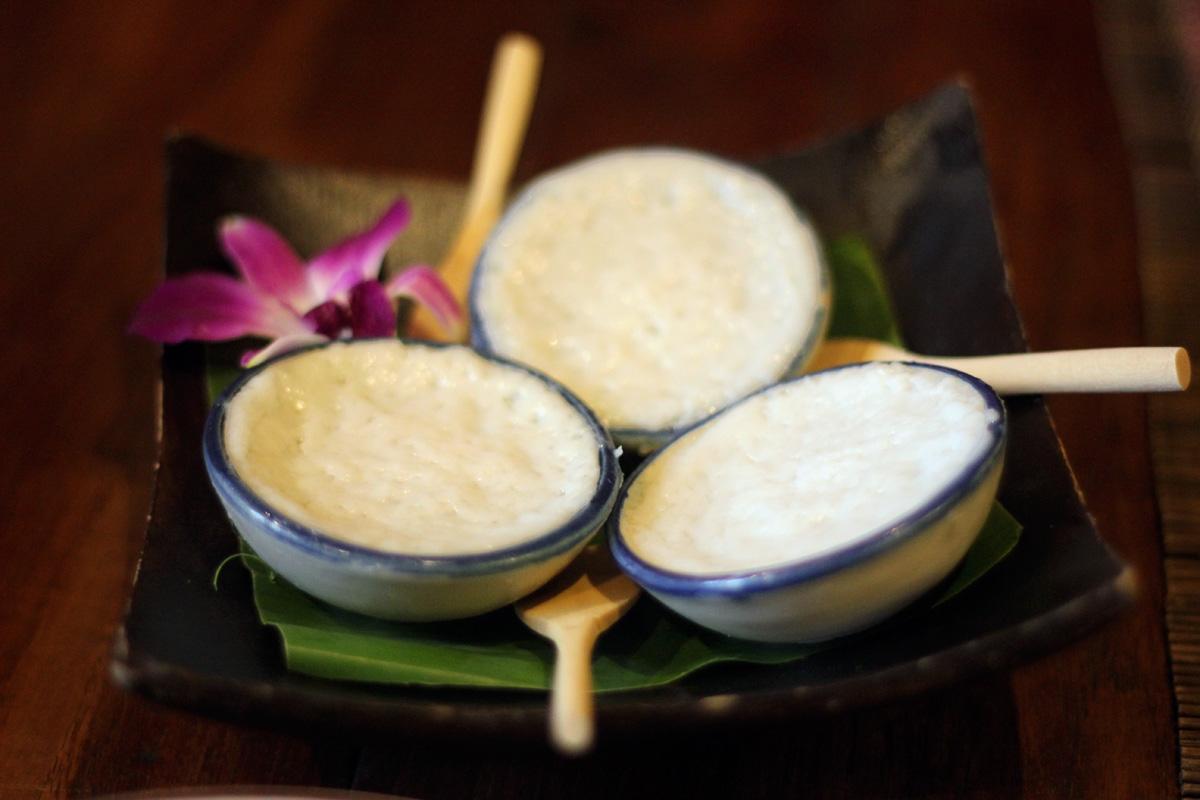 Ka-Nom-Tuay (Steamed Coconut Pancakes) Ruen Mallika, Bangkok