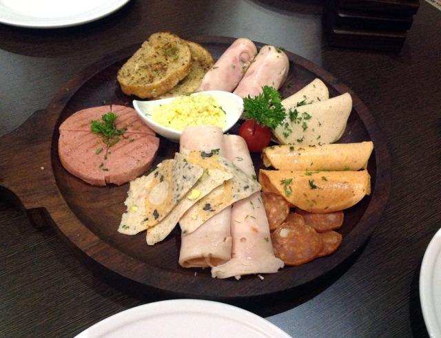 Meat platter Imbiss, Colaba