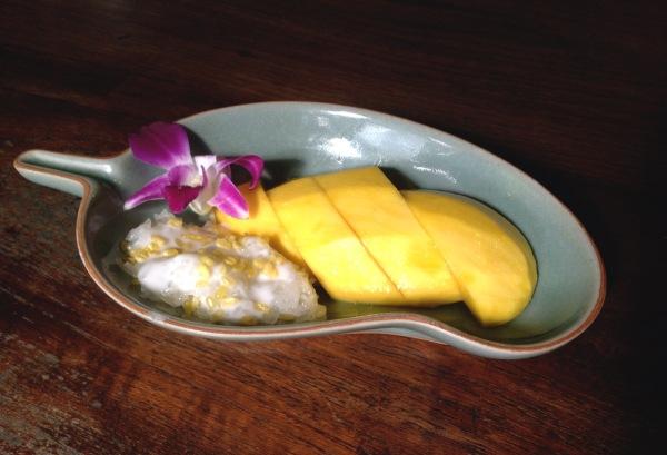 Khao-Niew-Ma-Muang (Coconut Sticky Rice with Sweet Mango) Ruen Mallika, Bangkok