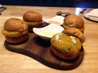 Vada Pao Slider Tilt All Day