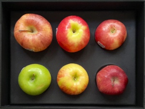 Box of washington Apples