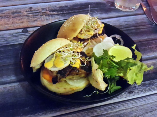 Basa banh mi mini burger, Light House Cafe, Khar, Mumbai