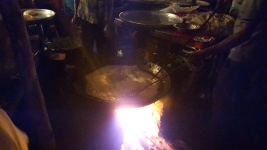 Paratha being fried, Mahim Urs Festival, Mumbai