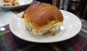 Bun Maska, Cafe Irani Chaii