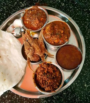 meal-at-hotel-maratha-low
