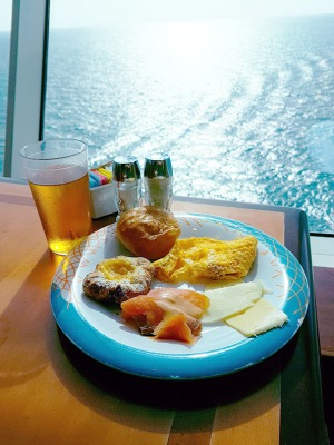 Breakfast at Windjammer Cafe, Mariner of the Seas
