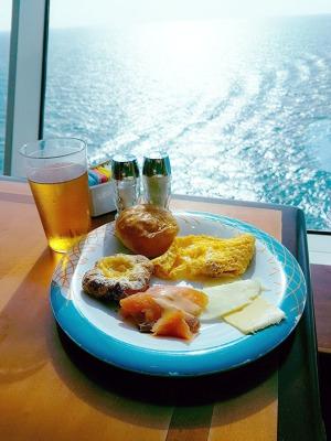 Breakfast at Windjammer Cafe, Mariner of the Seas