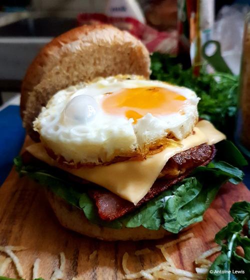 Parsi Egg Burger